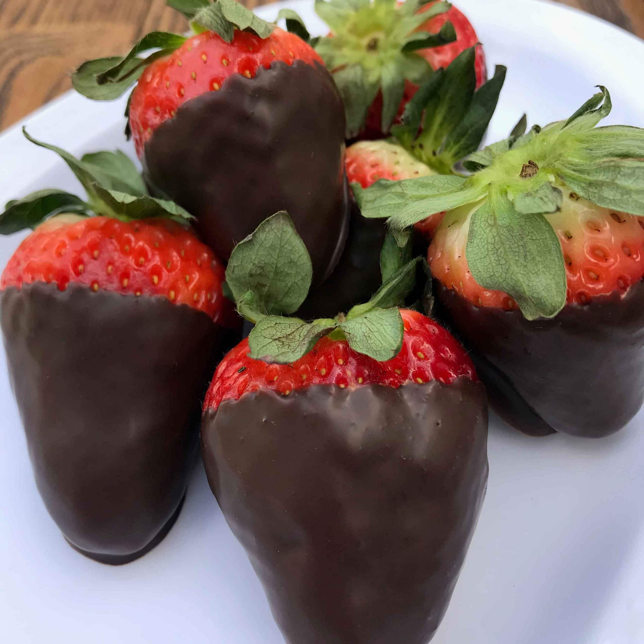 Chocolate Dipped Strawberries Valentine S Day Delightful Dishes